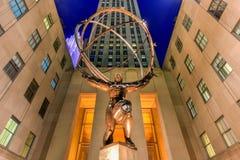 地图集雕象-洛克菲勒中心,纽约 免版税库存照片