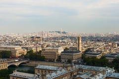 巴黎地平线。 库存图片