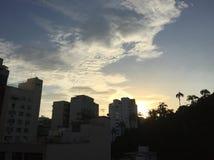 地平线巴西蓝色和黄色天空 免版税库存图片
