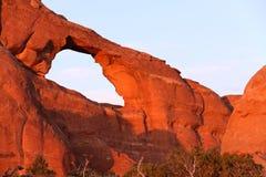 地平线曲拱在曲拱国家公园 库存照片