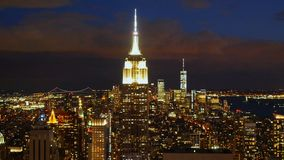 地平线曼哈顿纽约在晚上 股票录像