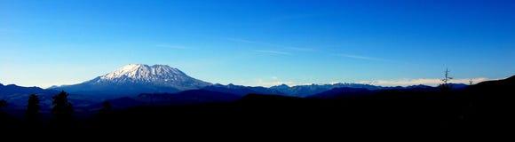 地平线被射击Mt.圣Helens 库存照片