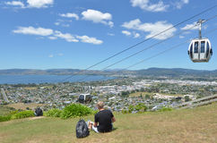 地平线长平底船空中览绳在罗托路亚-新西兰 库存图片