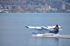 地方客机离开温哥华港口 库存图片