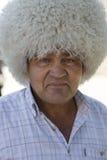 戴地方帽子, Tilpak的Khorezmian人 库存图片