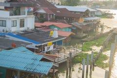 地方房子附近的河 泰国 库存图片