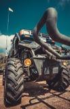 地方风俗汽车和自行车展示芭达亚 图库摄影
