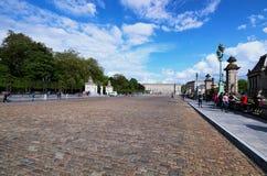 地方des Palais是在王宫Palais de布鲁塞尔和布鲁塞尔公园Parc de布鲁塞尔之间的古老大道 免版税库存图片
