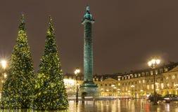 地方Vendome在多雨晚上,巴黎,法国 免版税图库摄影