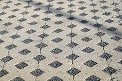 地板在有渗透性沙子类型的基体聚集对水 图库摄影