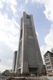 2011年地标春天被采取的塔横滨 库存图片