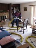 地毯擦净剂专业人员 库存图片