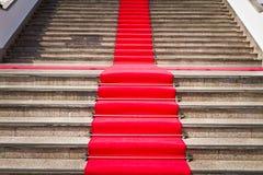 地毯红色楼梯方式 库存照片