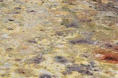 地热春天圣米格尔,亚速尔群岛的颜色 免版税库存图片