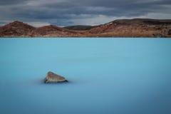 地热湖在冰岛 免版税库存照片