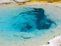 地热水池在黄石国家公园在美国 免版税库存照片