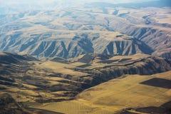 地狱峡谷和农场土地从上面 免版税库存照片