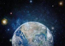 地球、星系和太阳 美国航空航天局装备的这个图象的元素 免版税图库摄影