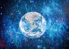 地球、星系和太阳 美国航空航天局装备的这个图象的元素 库存照片