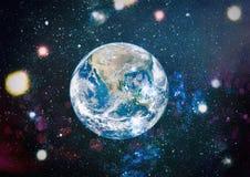 地球、星系和太阳 美国航空航天局装备的这个图象的元素 库存图片