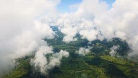 地球和云彩的看法从飞机的窗口 股票录像