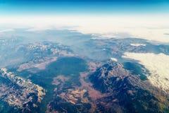 地球天际飞机视图  库存图片