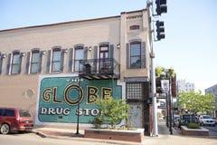 地球绘街市Jonesboro阿肯色的药店 免版税库存照片