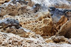 地球-层状岩石背景地质层数  岩石层数沉积 层数黄沙 地球的外壳 地层,板岩 免版税库存图片