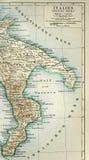 从地理地图集1890与亚平宁山脉的片段,亚平宁半岛的老地图 南意大利 塔兰托海湾  免版税库存图片