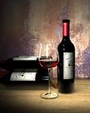地窖红葡萄酒 库存照片