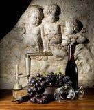 地窖红葡萄酒 库存图片