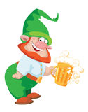 地精和啤酒 免版税库存照片