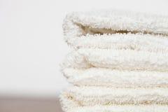 整洁地被折叠的毛巾 免版税库存照片
