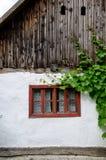 地道农村architecure细节-窗口 库存照片
