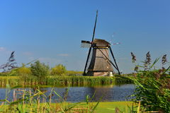 地道历史的风车在小孩堤防,联合国科教文组织世界遗产名录站点的一汇集 免版税图库摄影