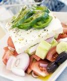 地道希腊沙拉希腊白软干酪 免版税库存照片