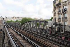 地铁在pont de Bir Hakeim桥梁的火车timelapse 影视素材