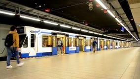 地铁地铁火车在阿姆斯特丹,荷兰, 股票视频