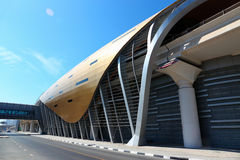 地铁地铁站在迪拜阿联酋 免版税库存图片