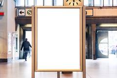 地铁广告都市运输被隔绝的白色大模型 免版税图库摄影