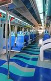 地铁火车内部在迪拜阿拉伯联合酋长国 免版税库存照片