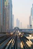 地铁火车在迪拜,阿联酋 库存照片