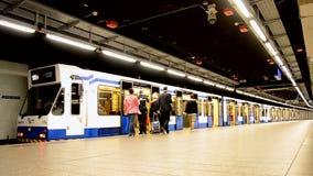 地铁火车在阿姆斯特丹,荷兰, 股票视频