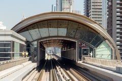 地铁火车迪拜铁路 免版税库存照片
