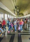 地铁站的人们在麦德林哥伦比亚 库存图片