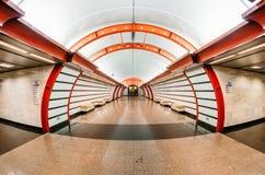 地铁车站是Obvodny运河 荷兰男人飞行堡垒保罗・彼得・彼得斯堡餐馆俄国圣徒 9月03日 2017年 图库摄影