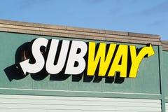 地铁餐馆标志 库存照片