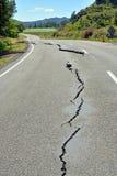 地震损伤的Fisrt标志在路的对Kaikoura 免版税库存图片