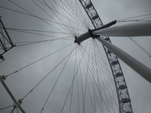 从地面的伦敦眼 库存图片