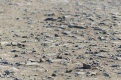 地面石碴纹理 石头,美好的沙子路背景 平的位置,顶视图石渣,拷贝空间 免版税图库摄影